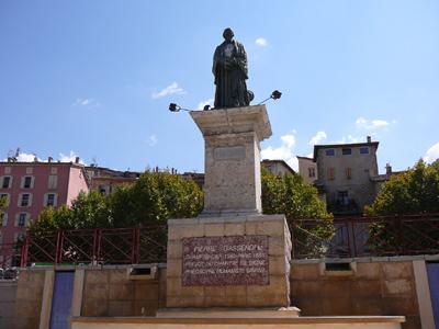 Statue de Pierre Gassendi à Digne les Bains