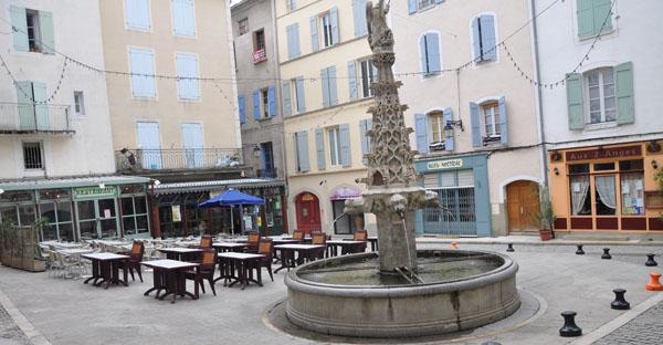 Salon du livre et de la nouvelle forcalquier - Office du tourisme forcalquier ...