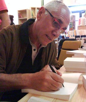 Dédicace de l'écrivain René Frégni à Digne les Bains