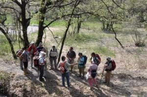 Pause Lecture lors d'une randonnée litteraire autour de Jean Giono