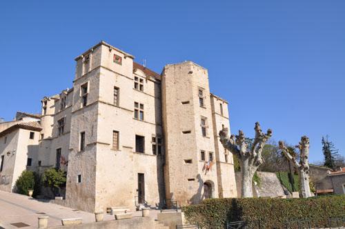Le Château de Château-Arnoux