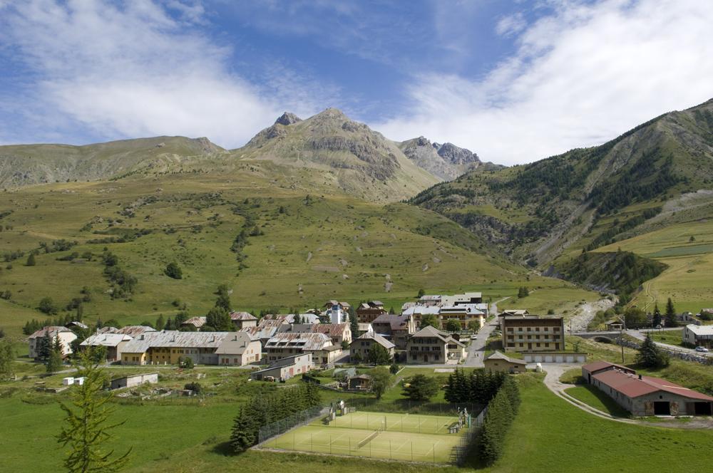 Val d'Oronaye Larche en été