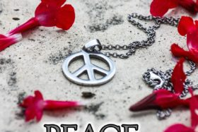 Peace and Love de Chris Tabbart