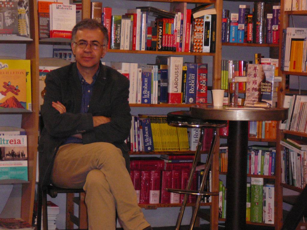 Eric Faye en dédicaces à la librairie La Ruelle à Digne-les-Bains le 19 mai 2018