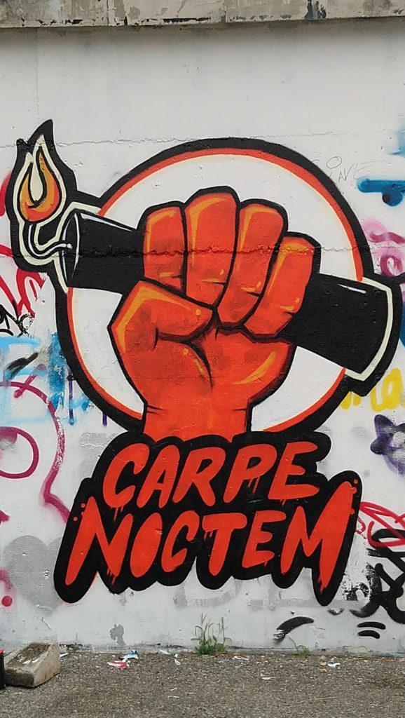 """""""graffiti publicitaire"""" de Grichka pour Carpe Noctem"""